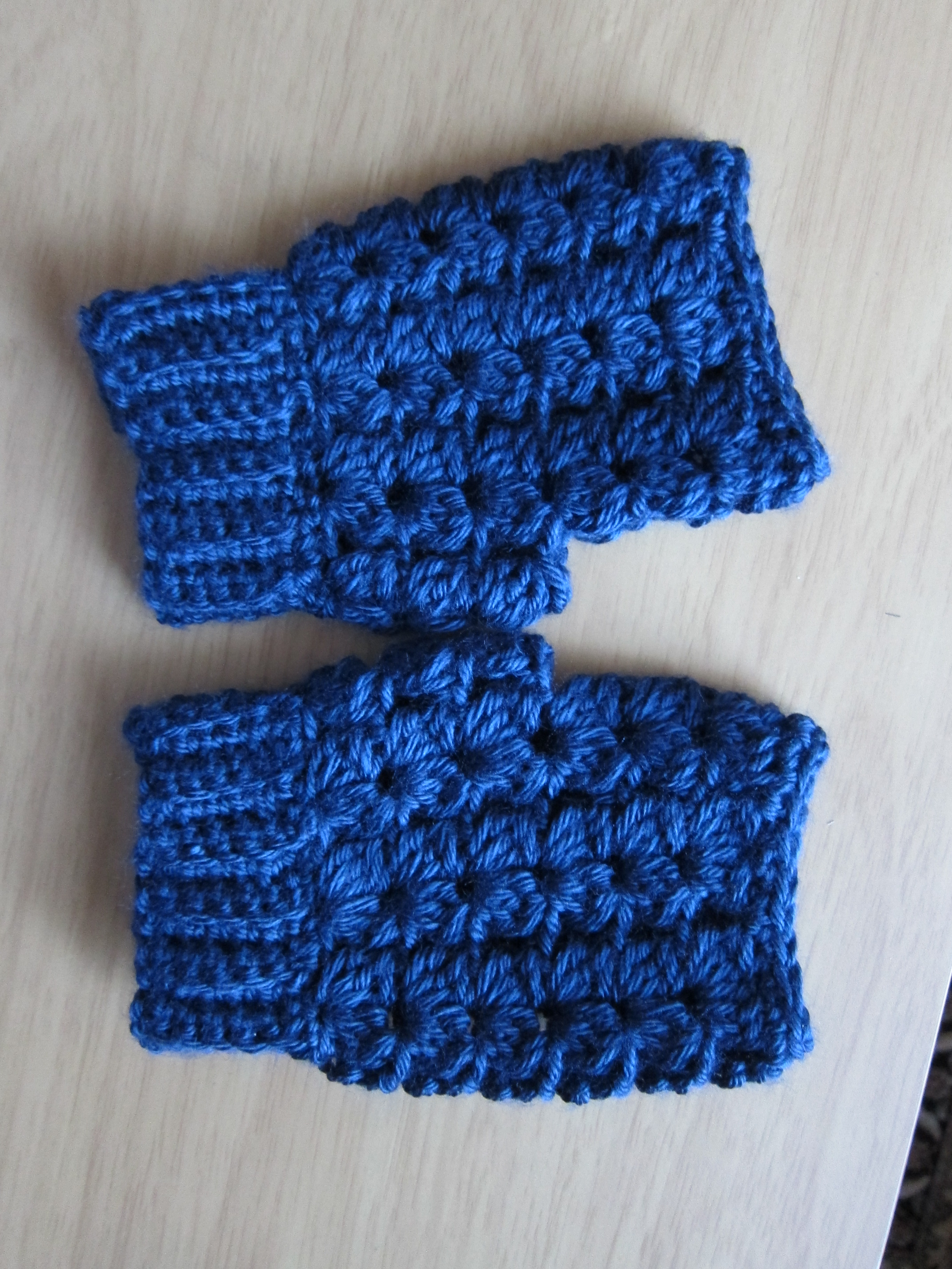 Use a 5 mm crochet hook and worsted weight yarn. I used Caron simply ...